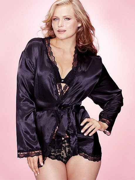 Heart Lace Back Robe PLUS