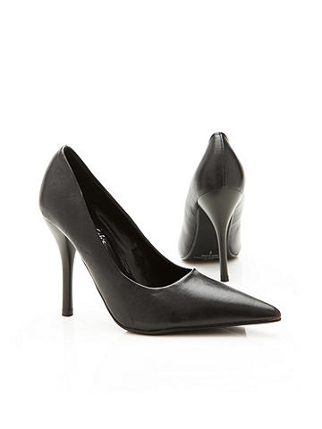 Pointedly Sexy Pump
