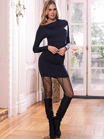 Ballerina Fishnet Pantyhose - Give your night the most glamorous leg up! The classic fishnet gets an update with a sexy new pattern. It doesn't get any more stunning than this. Nylon/spandex. Imported.