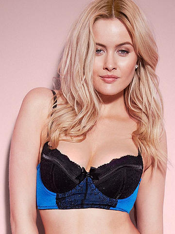 Nadia Lace Bralette - Boost your confidence and boudoir beauty in our newest cleavage-enhancing bra. The curve-hugging design lifts and smooths in all the right places—wear it with the Nadia Half-Slip for a dreamy night-in look. 
