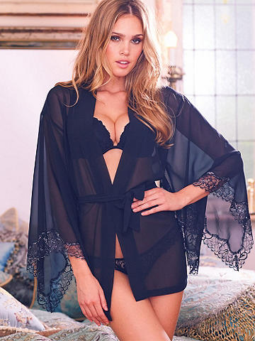 Black Label Kimono Robe - Exquisitely crafted and designed for the most decadent, sexy lounging—this kimono robe is utterly desirable and the perfect way to indulge yourself. 